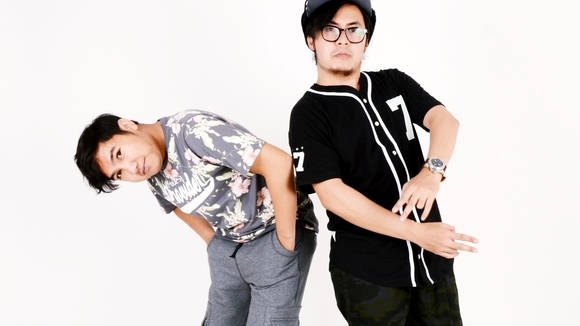 Bottlesmoker - Electropop Indietronica Electronic Music Electro-Experimental IDM Live Act in Bandung