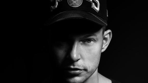 EARNEST LUKOSIAN - Techhouse Techno DJ in Stuttgart