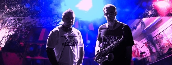 Wicked Funk Brothers DJ & Saxophon  - House Vocal House Liveact  House Charts Electro Mainstream Progressive House edm Future House DJ in Mainz