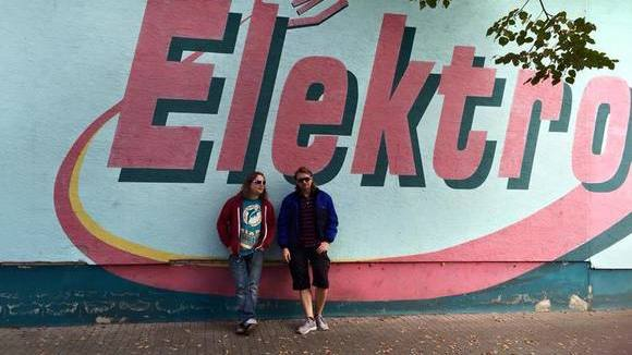 A FUTURISTIC AID - Electropop Electro-Wave-Rock Electro Indie Live Act in Henschtal