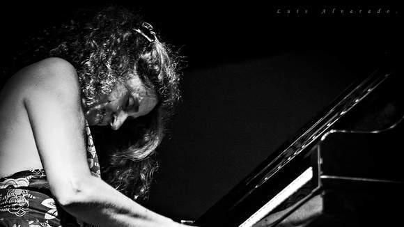 Elisabet Raspall PRESENT - Jazz Live Act in Barcelona