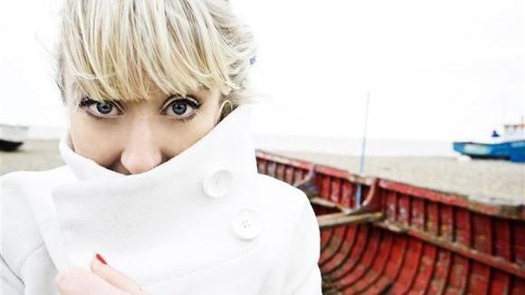 Gwyneth Herbert - Jazz Folk Singer/Songwriter Experimental Live Act in London