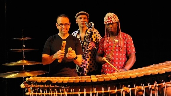 Jan Galega Brönnimann - Aly Keita  - Lucas Niggli Trio KALO YELE - Jazz Worldmusic Live Act in Wermatswil