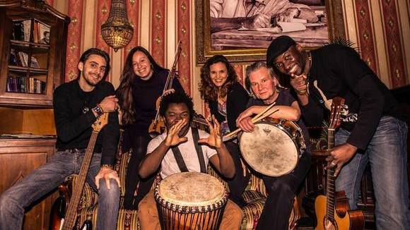 Dolus Mutombo & The Free Spirits - Worldmusic Urban Folk Singer/Songwriter Afrobeat Live Act in Leipzig