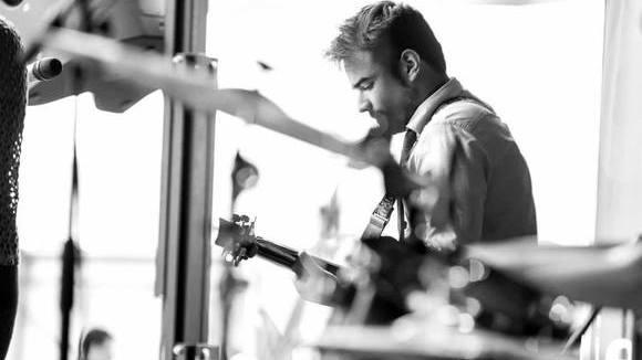 Carlos - Singer/Songwriter Acoustic Pop Acoustic Pop Soul Live Act in Hanau