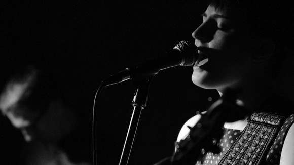 Elizabeth Cornish  - Singer/Songwriter Folk Pop Original Indie Live Act in Leicester