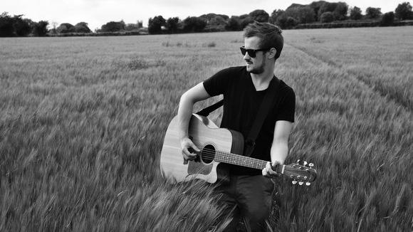 Alan Kavanagh - Singer/Songwriter Blues Folk Singer/Songwriter Rock Live Act in Ashbourne
