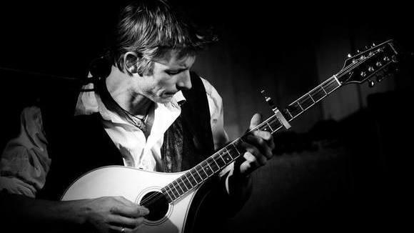Jürgen Posch - Mundart Unplugged Fingerstyle Live Act in Hausleiten
