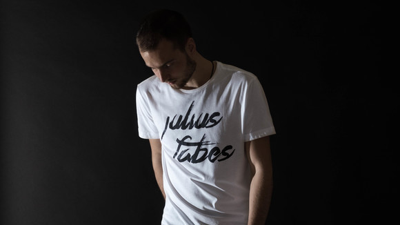 Julius Fabes - Techno Electronica House Electronic IDM DJ in Budapest