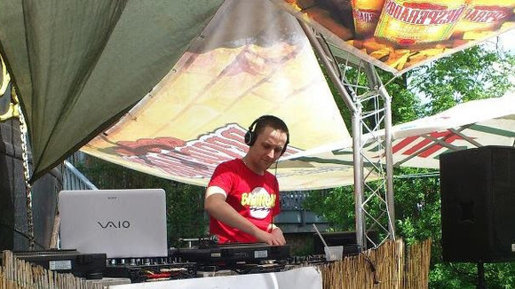 Dave Cut - Deep Electro Melodic DJ in Schönebeck