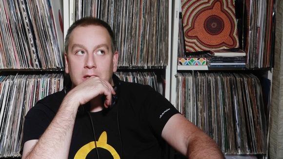 Max Doblhoff - Afrobeat Minimal Techno Worldbeat Nu Funk Groove DJ in Vienna