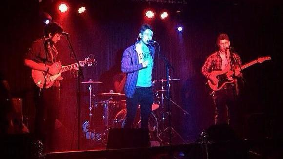 Ken's Beijing - Alternative Rock Folk Rock Indiepop Math-Rock Indie Live Act in London