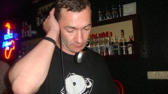 Jan P. Ludwig - Worldmusic Trance Goa House Techno DJ in Berlin