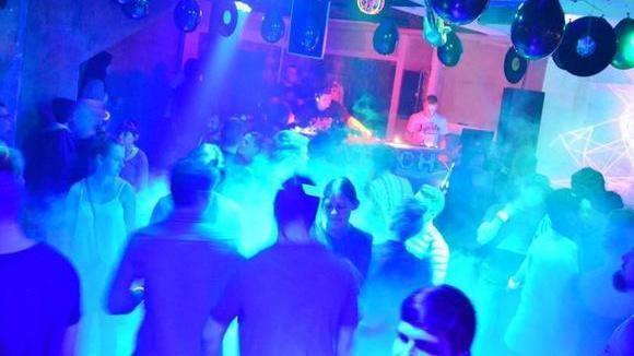 Durch Dick und Dünn - Techhouse House Techno Groove Melodic House  DJ in Erlangen