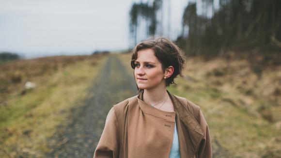 Hannah McPhillimy - Singer/Songwriter Folk Pop Jazz Indie Live Act in Belfast