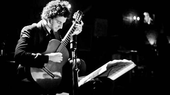 Sebastian Pecznik Solo Guitar Concert - Solo Acoustic Classical Crossover Tango Live Act in Schillerpromenade 27