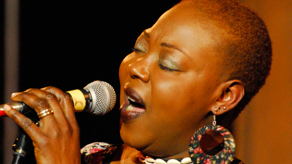Djatou Touré - Worldmusic Gospel Jazz Worldmusic Afro-Pop Live Act in Berlin