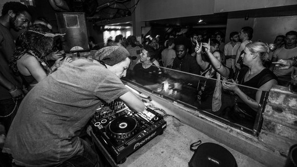 Alexandru Tudor - Deep Techno Vocal House Minimal House Techno Dark Techno DJ in London