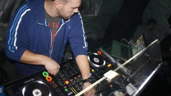 Papa S - Techhouse Techhouse House Techno DJ in Sarajevo
