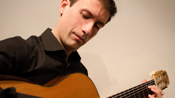 Andreas Moutsioulis - Classical Crossover Live Act in Bristol