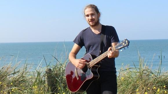 Jeffrey Kolkman - Pop Singer/Songwriter Live Act in Mönchengladbach