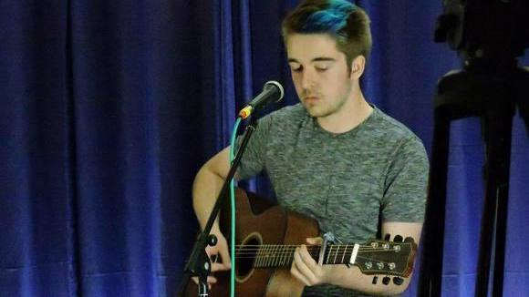 Dan Pearce - Acoustic Rock Live Act in Buckley