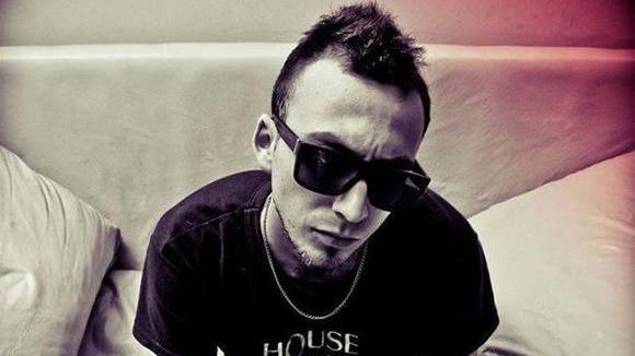 GrooveANDyes - Techhouse House Techno Producer DJ in Buenos Aires