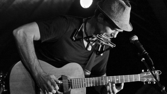 Chris Shermer - Singer/Songwriter Pop Funk Acoustic Pop Rock Live Act in Zell am See