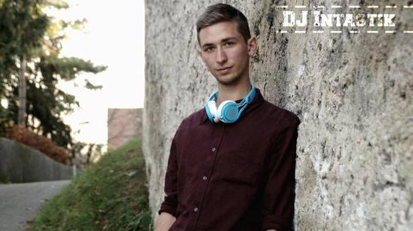 DJ Intastik - House Mashup Dance Charts edm DJ in Kaufbeuren