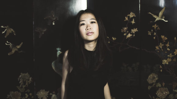 Linying - Alternative Electronic Baroque Pop Indie Live Act in Singapore