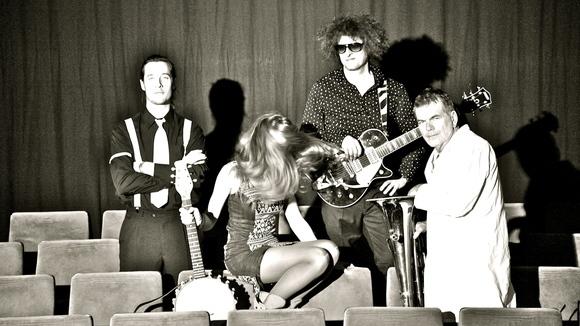 LUCIE M. und das TRIBUNAL DES ESCARGOTS - Deutsche Texte Folk Rock Avantgarde Pop Chanson Melodic Live Act in München