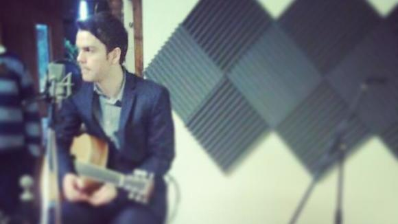 Pat Lyons - Singer/Songwriter Blues Folk Acoustic Indie Live Act in Manchester