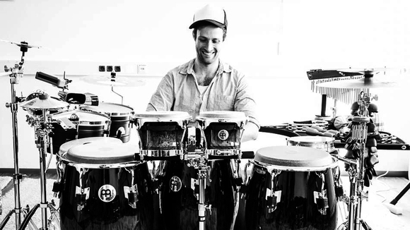 Max Grösswang - percussion  Electro Percussive Beats Electro Cover Partymusik Live Act in Hamburg