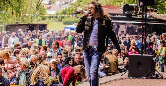 Denny Schönemann - Schlager Volksmusik Cover Live Act in Könnern OT Trebitz