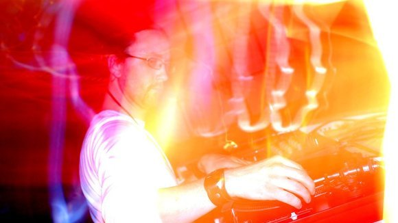 Ronald Aquinas - Funk Drum 'n' Bass Funk DJ in Dresden