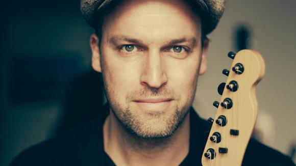 Philipp Löwenstein - Singer/Songwriter Acoustic Pop Cover Folk Pop Live Act in Berlin