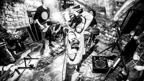 Hypochristmutreefuzz - Alternative Punk Punk Rock Live Act in Ghent