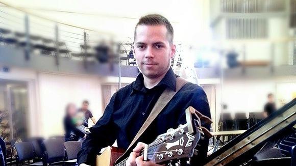Benjamin Touet - Progressive Pop Pop Synthiepop Britpop Cover Live Act in Wuppertal
