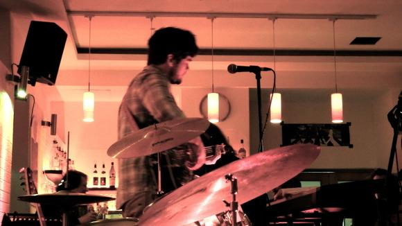 Blondeone - Alternative Folk Singer/Songwriter Live Act in Berlin