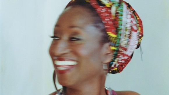 Adjoa Akoma - Afro Soul Acoustic Soul Worldmusic African Live Act in London