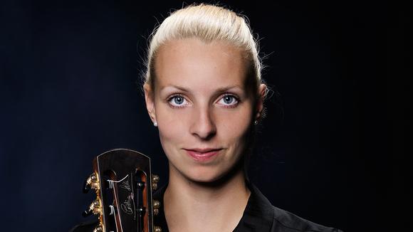 Judith Beckedorf - Acoustic Singer/Songwriter Acoustic Pop Fingerstyle Guitar pop Live Act in Dresden