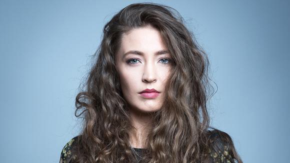 Ligia Hojda - Indiepop Singer/Songwriter Electropop Live Act in Bucharest