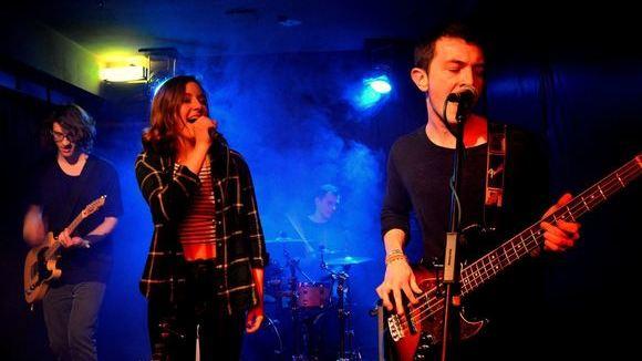 Arina - Indie Indiepop Funk Rock Electropop Live Act in Köln