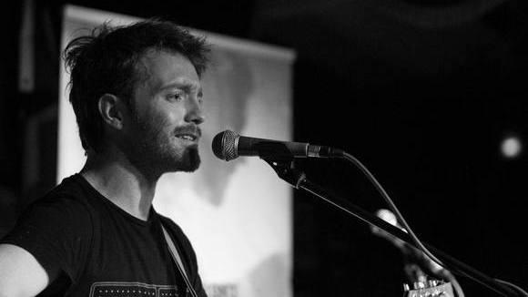 In Your Bones - Alternative Rhythm & Blues (R&B) Rock Soul Indie Live Act in Hamburg