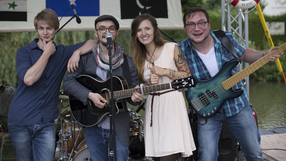 Vanessa Balscher & Band - Singer/Songwriter Pop Acoustic Pop Songwriter Eigene Songs Live Act in Vilshofen