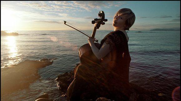 Kristin Larusdottir - electro folk Electro-Experimental Live Act in Kopavogur