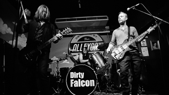 Dirty Falcon - Rock Grunge Hard Rock Punk Garage Rock Live Act in London