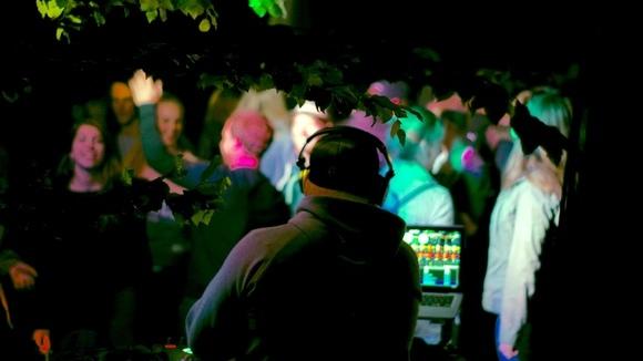Simon Moessnang Music - Tropical Techhouse House Deep Deep Techno DJ in Tutzing
