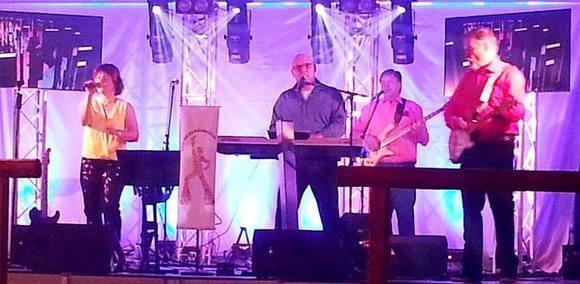 Jenny und die Schlagerbande - Schlager Live Act in Neudrossenfeld