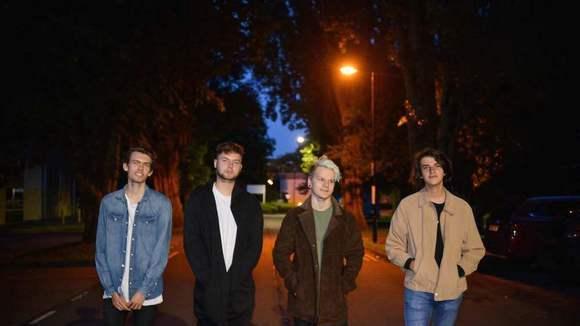 Misfires - Indie Britpop Rock Melodic Indie Live Act in Swindon